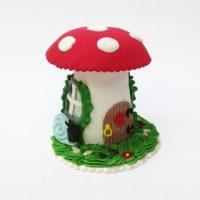 secerna-kucica-dekoracija-gljiva-torta-ukras-rodjendan-sveisvasta