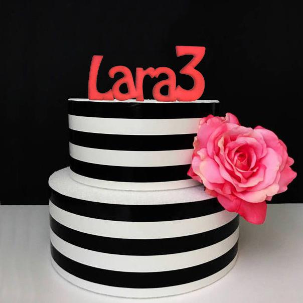 lara3-ukras-torta-ime-personalizirani-topper-dekoracija-sveisvasta