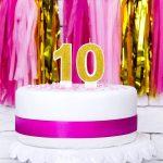 svijeca-broj-torta-sljokice-zlatna-dekoracija-sveisavsta (2)