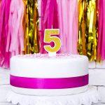 svijeca-broj-torta-sljokice-zlatna-dekoracija-sveisavsta (3)